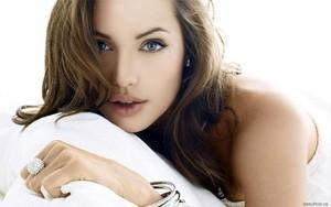 To those who don't know Angelina Jolie