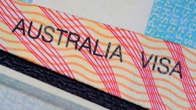 Australia to offer new 5-year visas to migrants' families